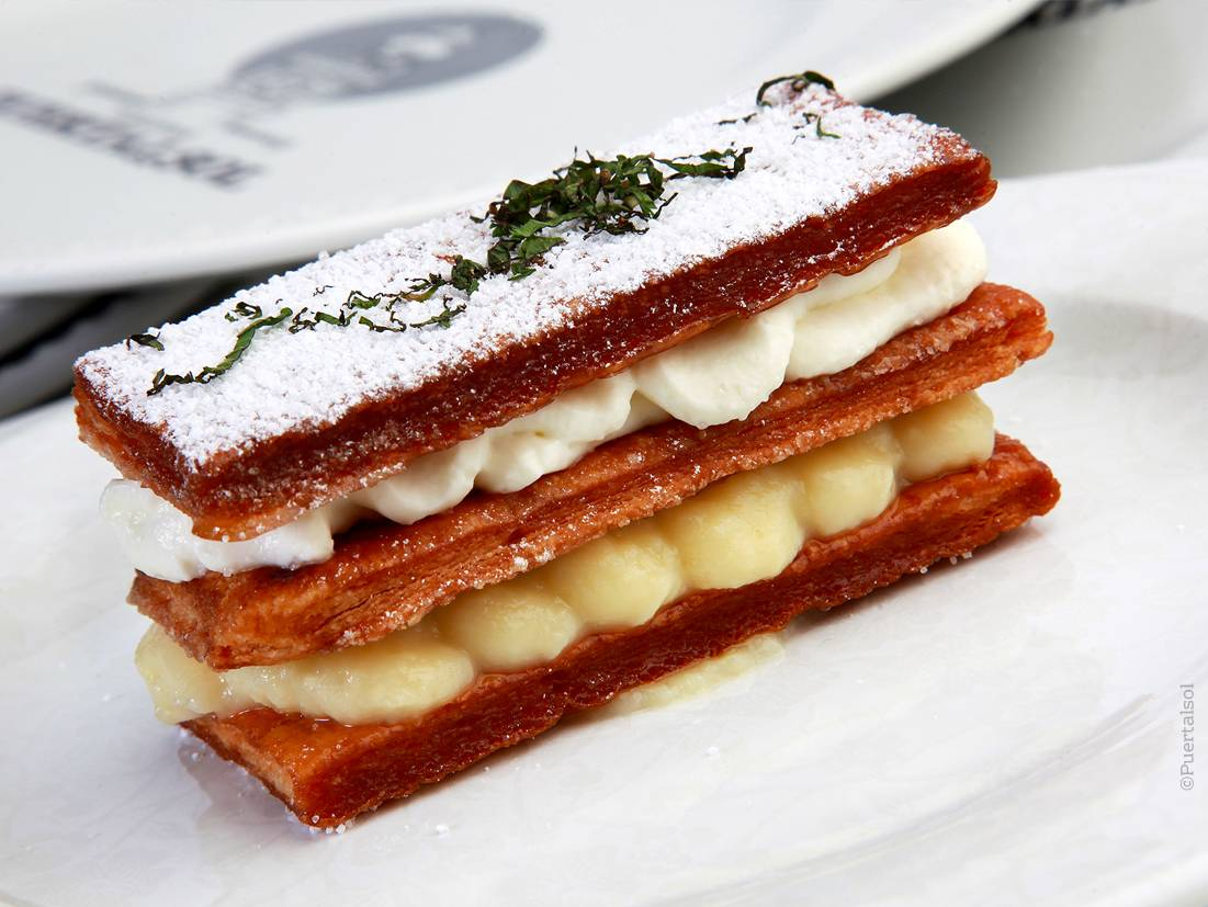 Millefeuille filled with cream